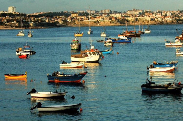 lisbon-by-boat-sailo-yacht-charter-cascais-sailing