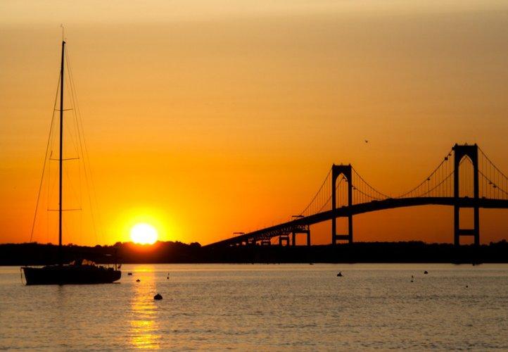 sunset-cruise-sailo-boat-charter-neport-ri