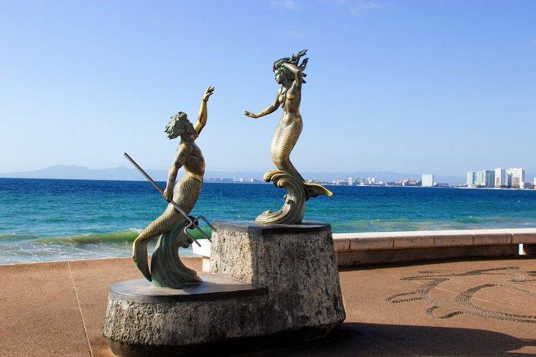 anchor-el-malecon-things-to-do-by-boat-puerto-vallarta-mexico-sailo