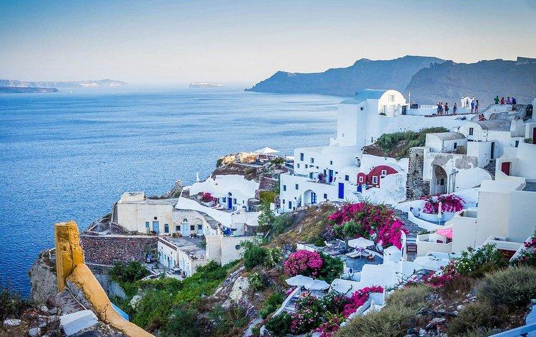 boat-charter-greek-islands-santorini-sailo