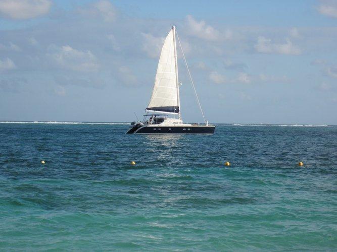 sailing-puerto-vallarta-islas-marietas-sailo