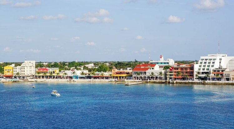 sailing-cancun-day-trip-cozumel-sailo-boat-rental