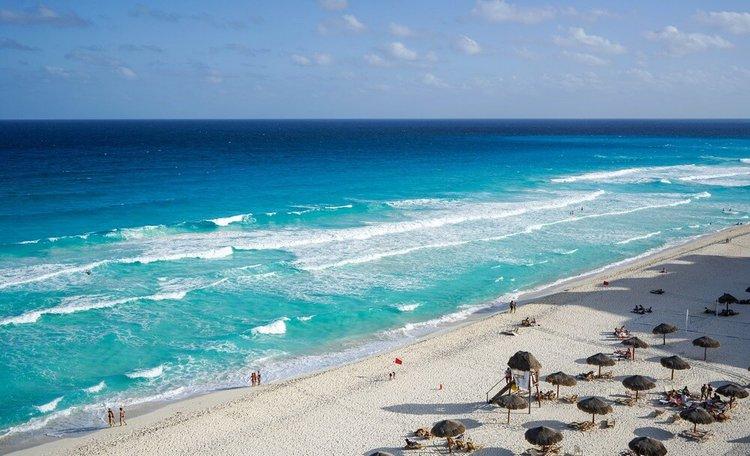 cancun-sailing-swimming-sailo-boat-rental