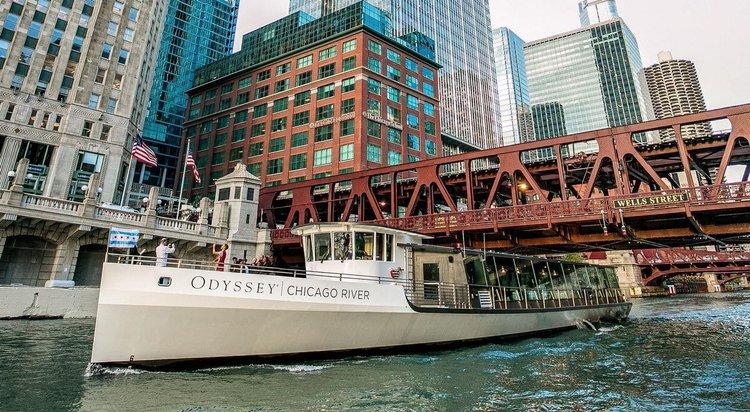 chicago-sailing-sailo-party-boat-rentals