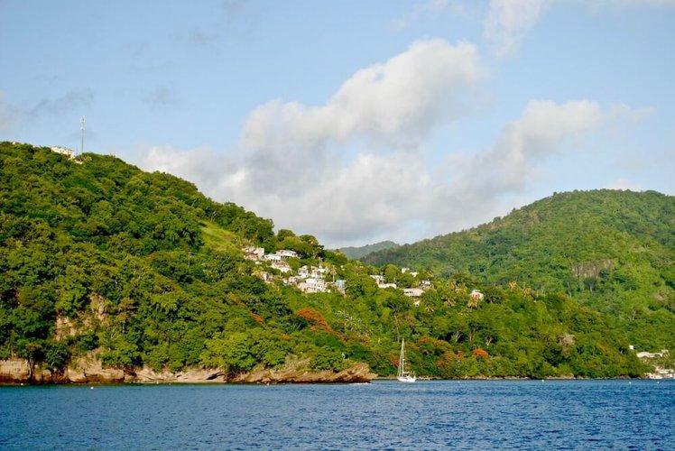 caribbean-sailing-vacations-grenada-yacht-charter
