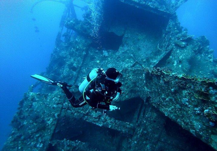 larnaca-boat-trips-diving