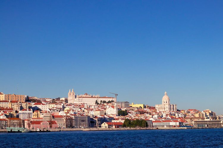 lisbon-by-boat-rental-sailo-yacht-charter-portugal-sightseeing