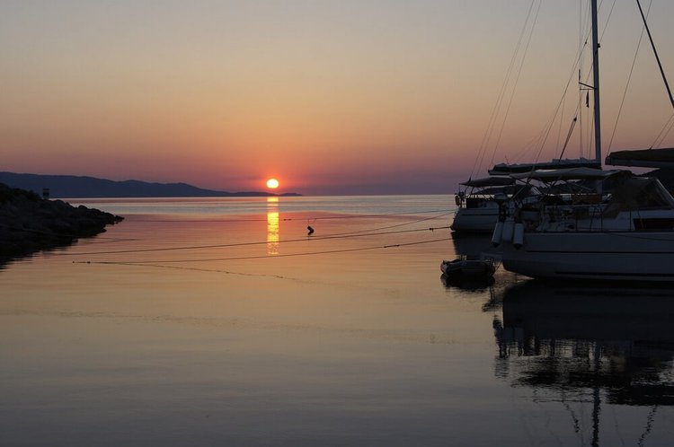 day-trips-from-athens-spetses-island-sailo-yacht-charter
