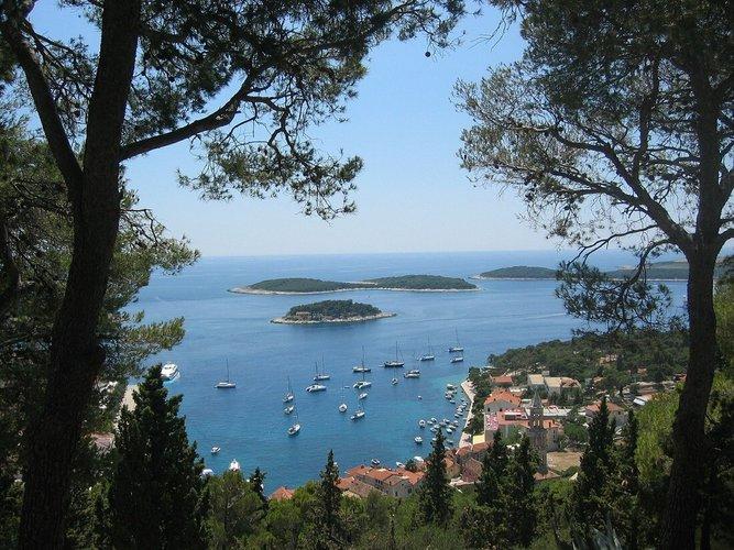 rent-boat-split-croatia-attractions-yacht-charter-sailo-hvar