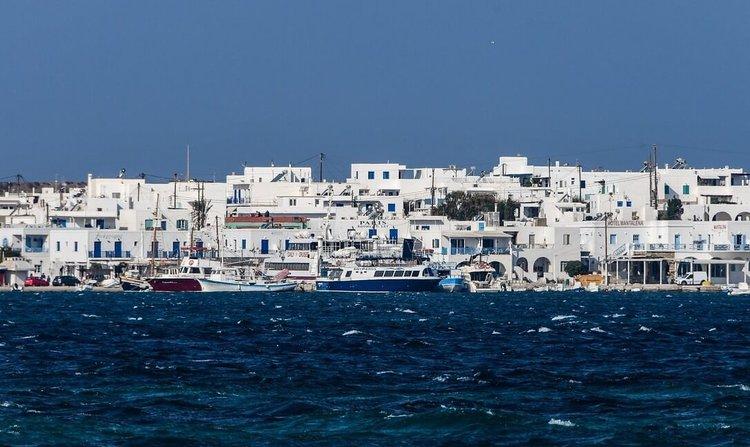 sailing-greek-islands-boat-charter-sailo-paros-antiparos