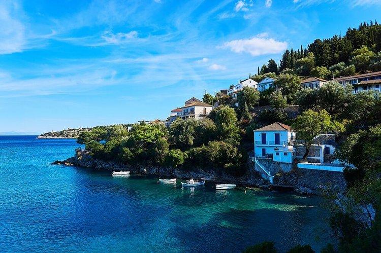sailing-ionian-islands-yacht-charter-meganisi-sailo