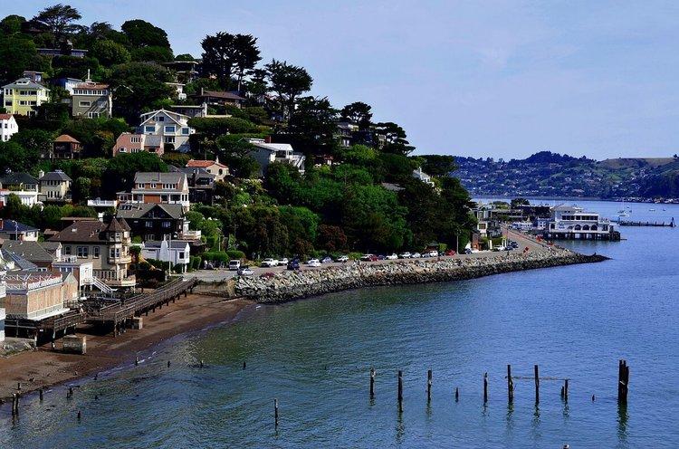 sailing-san-francisco-california-yacht-rentals-sailo-sunset-harbor-cruise