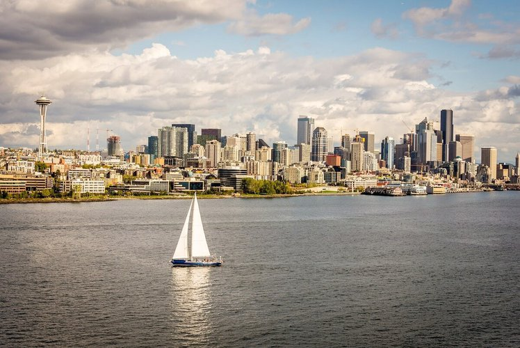 sailing-seattle-party-boat-rental-trips-sailo-charter