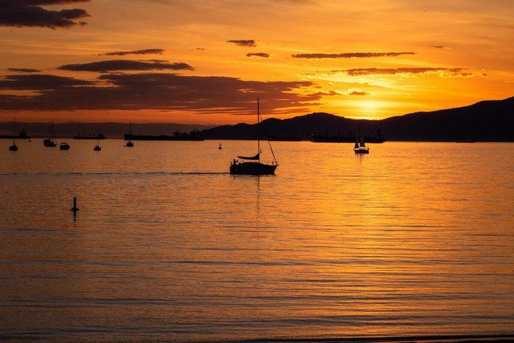 sailing-vancouver-sailo-boat-charter-bowen-island