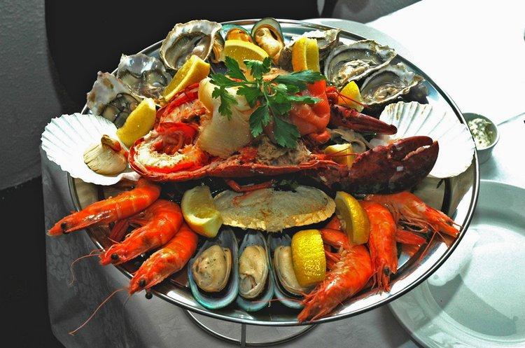 tampa-bay-boat-rentals-waterfront-restaurants