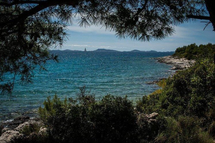 sibenik-boat-tour-yacht-charter-sailo-murter-island
