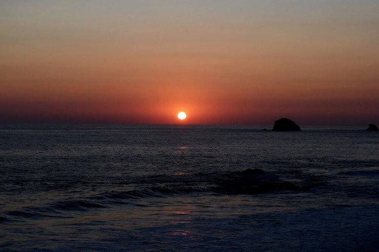 sailing-la-paz-mexico-sunset-sailo-boat-rental