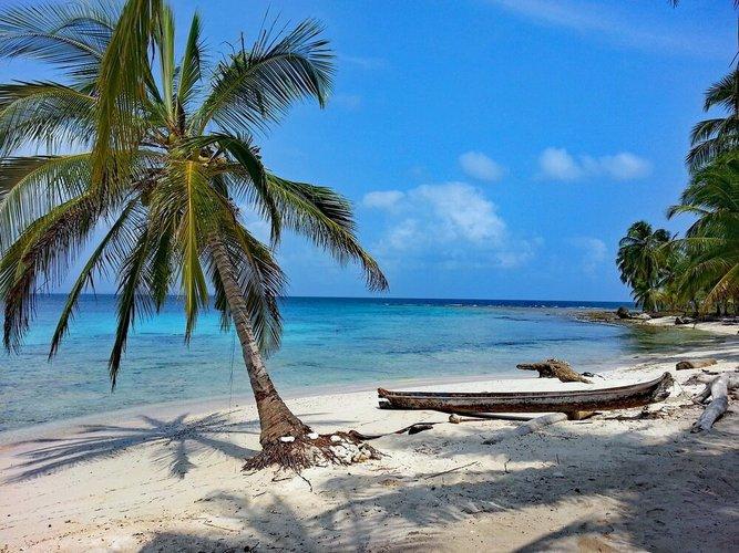 things-to-do-cartagena-colombia-san-bernardo-boat-rental-sailo
