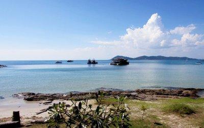 luxury-private-yacht-charter-pattaya-sailing-thailand