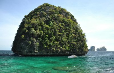 sailo-sailing-southeast-asia-yacht-charter