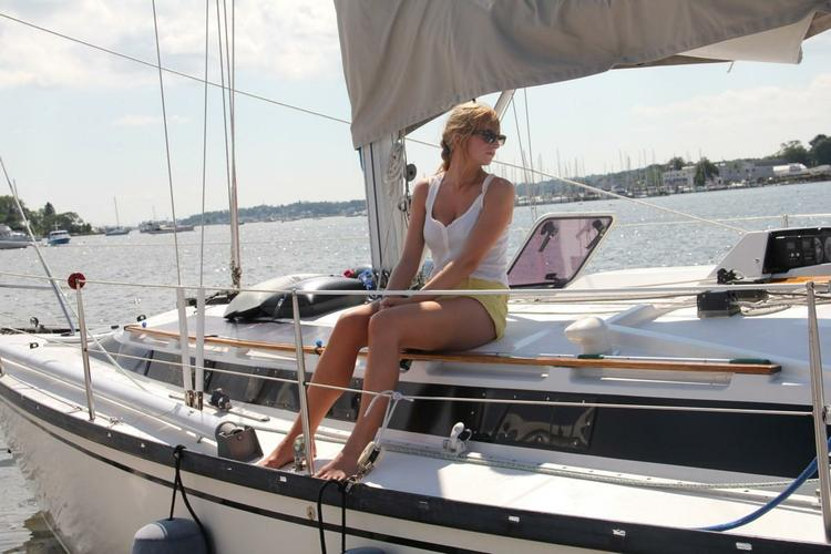 Discover Branford surroundings on this 4800 Dufour boat