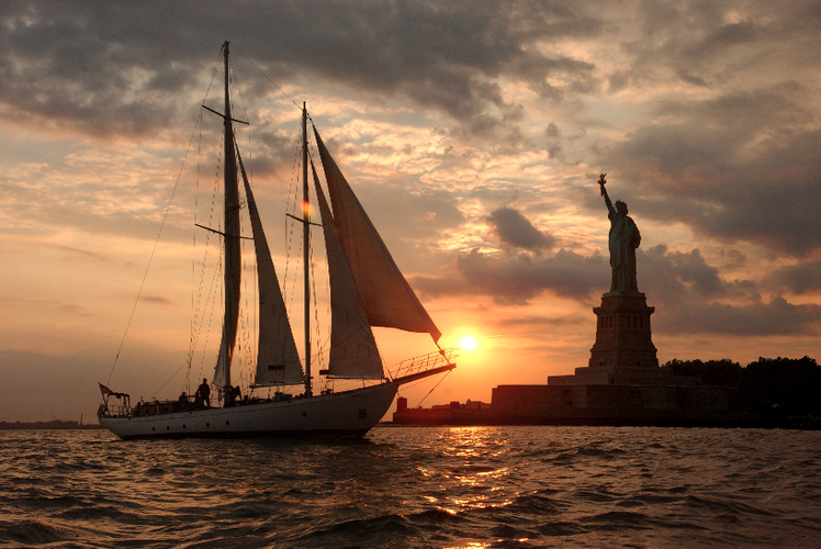 Boating is fun with a Schooner in New York