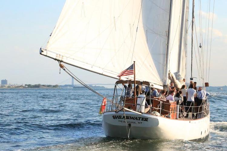 Schooner boat for rent in New York