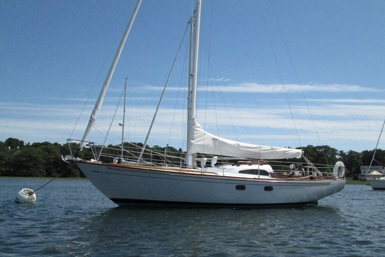 This 33' boat will provide an unforgettable sailing experience