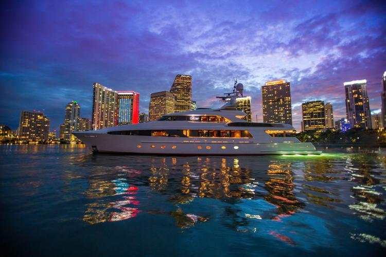 Take this Mega Yacht to the Miami Oceans!
