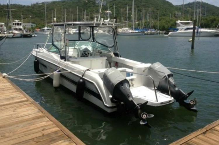 This 26.0' Glacier Bay cand take up to 6 passengers around Charlotte Amalie