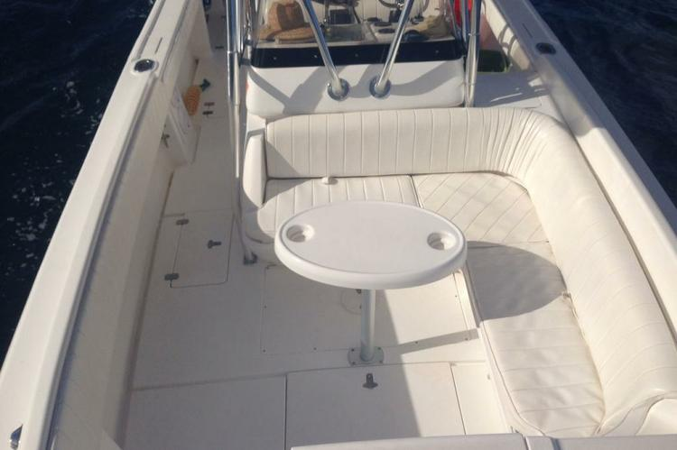 Up to 9 persons can enjoy a ride on this Cuddy cabin boat