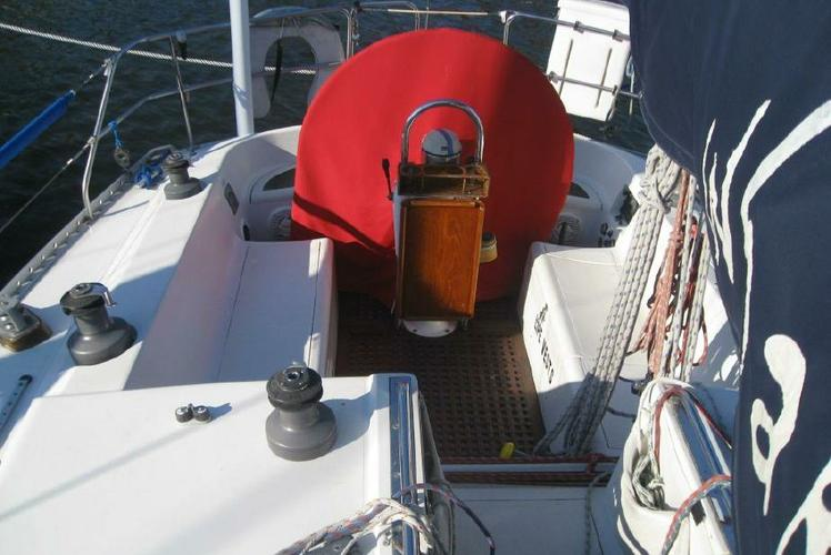 Discover Pasadena surroundings on this 40 Canadian Sailcraft boat