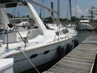 Cruise the Gulf of Mexico on this Beautiful Hunter 430