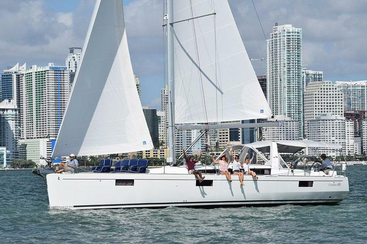 The most modern and comfortable sailing charters in Biscayne Bay
