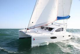 This 38.4' Robertson and Caine cand take up to 12 passengers around Miami