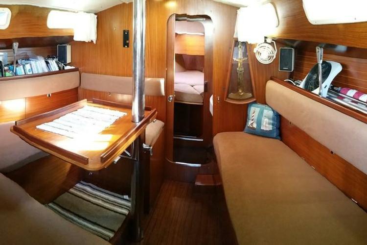 Cruiser boat rental in Brewer Bruce and Johnson Marina, CT