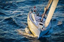 Explore the Ft. Lauderdale Waters with this Jeanneau!