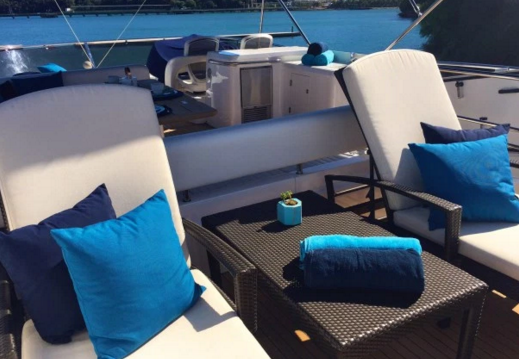 Up to 8 persons can enjoy a ride on this Sunseeker boat