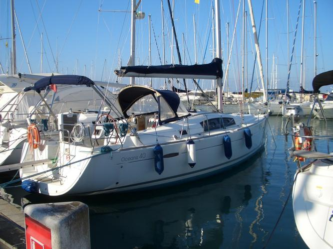 sailing in Tuscan and in Corse starting from the coast