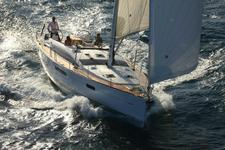 Charter this luxurious yacht and explore the Med
