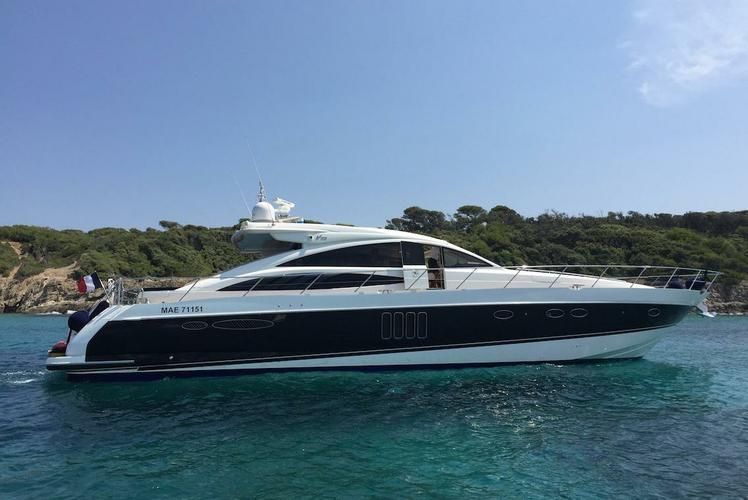 Rent this amazing Princess V70 in Port Grimaud