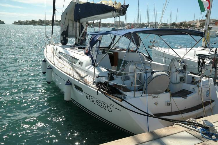 Enjoy luxury and comfort on this Jeanneau in Balearic Islands