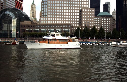 This 72.0' Stephens Bros. cand take up to 30 passengers around New York