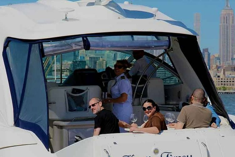 Boating is fun with a Cruiser in Cos Cob