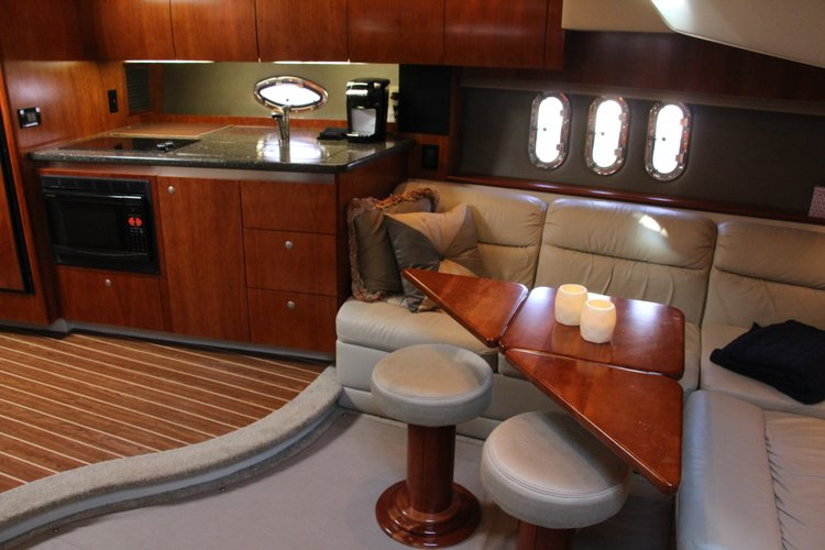 Cruisers Yachts's 42.0 feet in Cos Cob