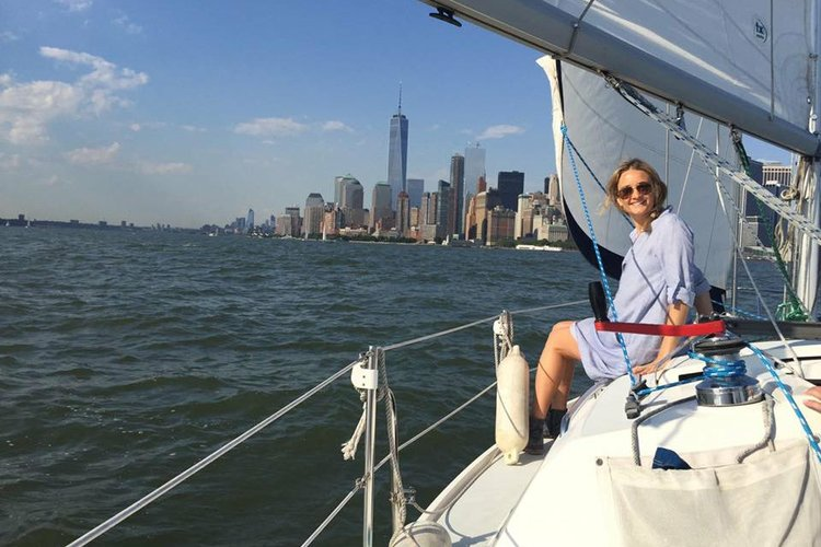 Cruiser boat for rent in West Haverstraw