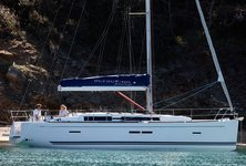Experience Saint Vincent on board this stunning Dufour 405