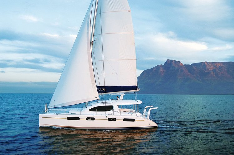 This 46.0' Leopard cand take up to 6 passengers around St. Maarten
