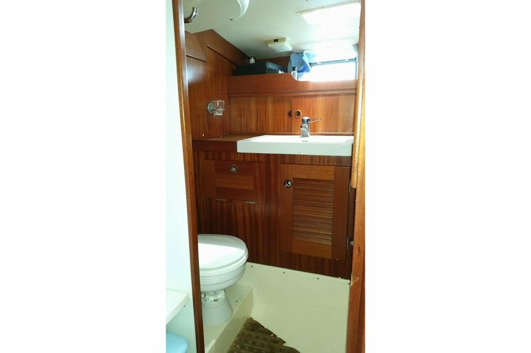 Discover Villeneuve Loubet surroundings on this HR42 Hallberg Rassy boat