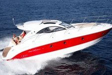 Enjoy a day on this very popular motorboat !